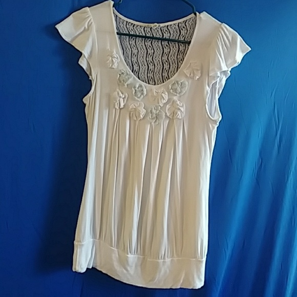 mine Tops - Country chic romantic top with lace detail